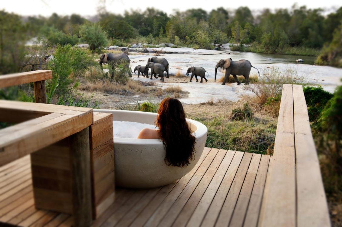 londolozi-private-granite-room-suite-private-deck-tub-02_Credit_Rhino Africa