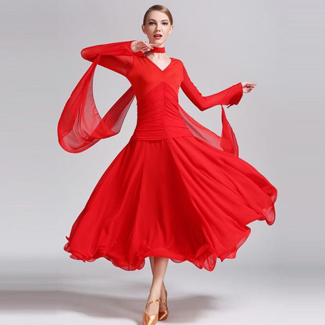 Fusta are proprietăți curative iată de ce este important ca femeile să poarte fuste și rochii 3