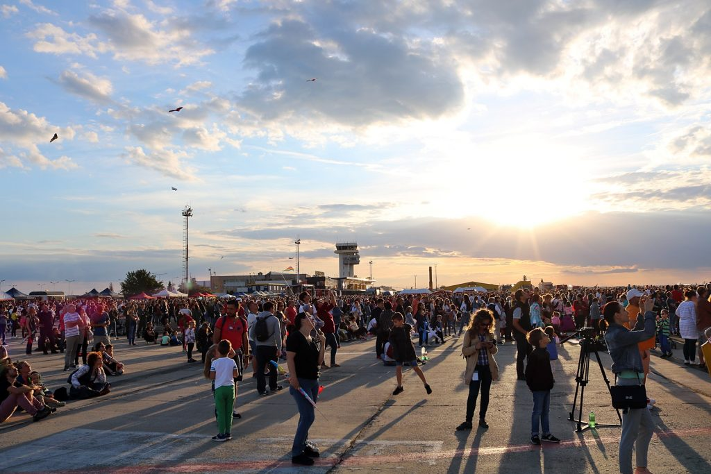 3 De Zile Pana La Cel Mai Mare Show Aviatic Din Vestul Romaniei ! 2