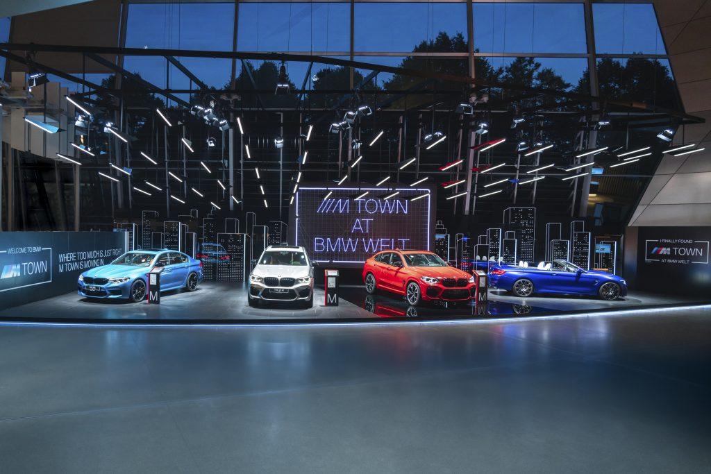Bun venit în M Town: BMW Welt deschide un nou spaţiu expoziţional permanent 1