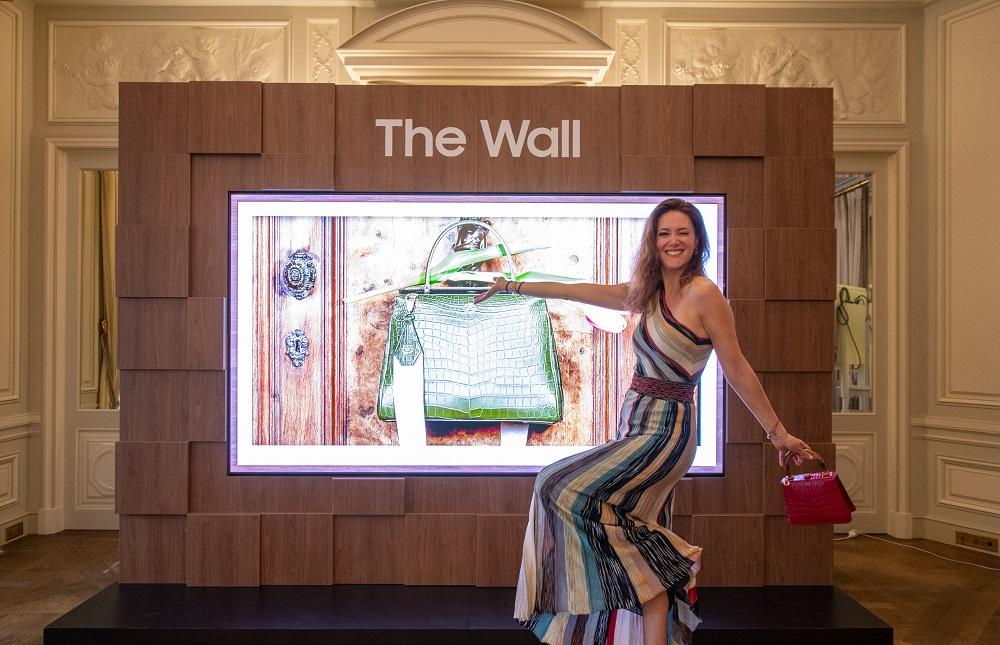 "Samsung prezintă ""The Wall Luxury"" 1"
