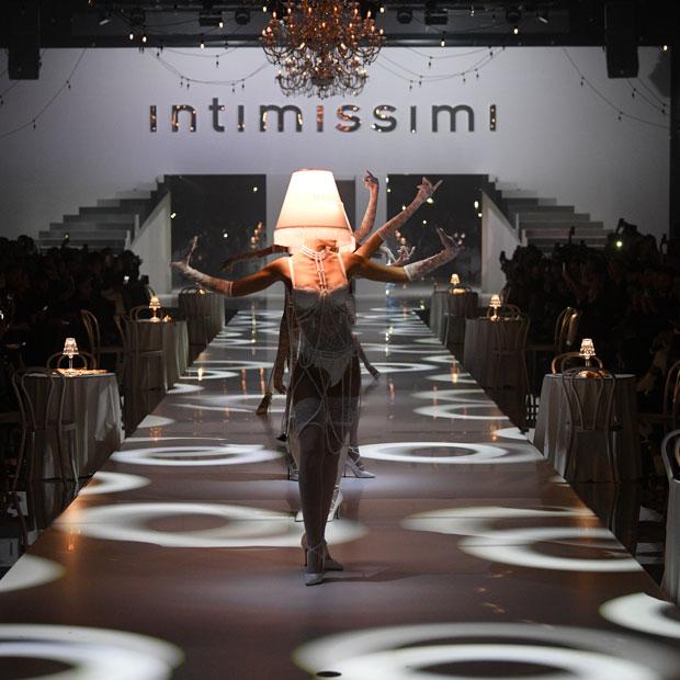 """Intimissimis """"White Cabaret"""" Fashion Show 12"""
