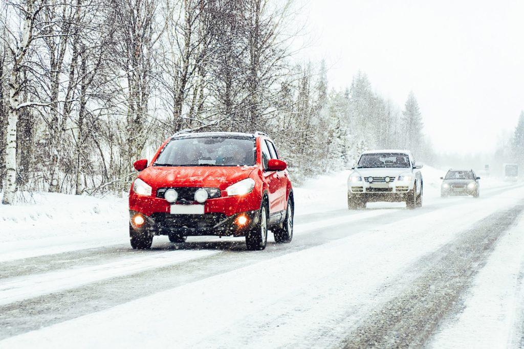 Vacanța la schi cu mașina: Nouă sfaturi pentru o călătorie fără stres și în siguranță 4