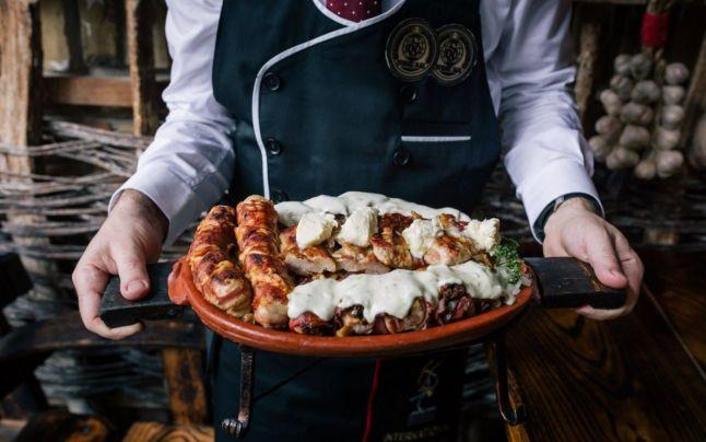 Restaurantul din Serbia unde românii stau la coadă 3