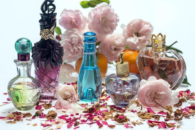 Testere Parfum: ce sunt și care este diferența față de parfumul retail 1
